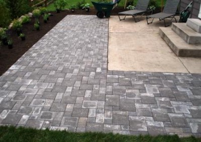 Frontier Landscaping backyard patio hardscaping.